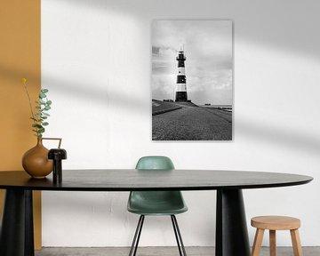 Leuchtturm Nieuwe Sluis (Breskens) in schwarz-weiß l Reis Fotografie von Lizzy Komen