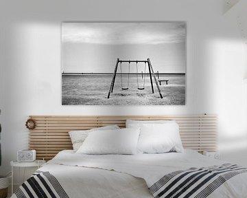 Die Schaukel am Strand von Heiko Westphalen