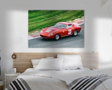 Ferrari 275 GTB voiture de sport italienne sur le circuit de course sur Sjoerd van der Wal