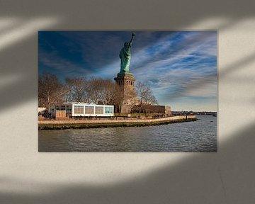 La Statue de la Liberté à New York City USA vue de jour depuis l'arrière de Liberty Island avec des  sur Mohamed Abdelrazek