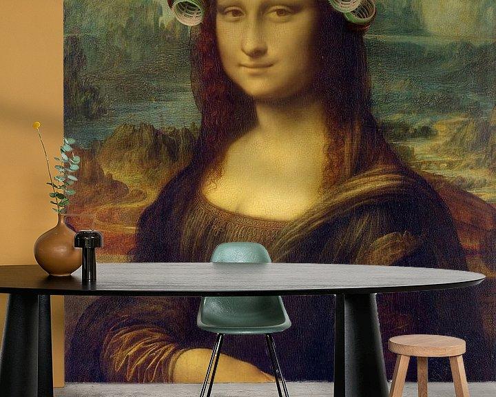 Sfeerimpressie behang: Mona Lisa - The Curly Girly Edition van Marja van den Hurk