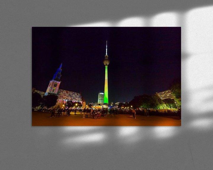 Impression: Berlin : la tour de télévision de l'Alexanderplatz en illumination spéciale sur Frank Herrmann