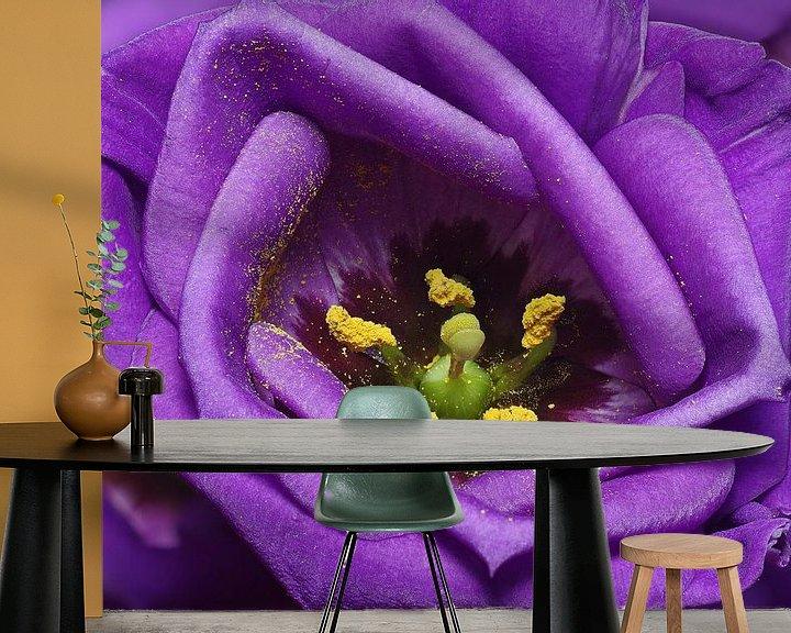 Sfeerimpressie behang: Paars fluweel van Mike Bing