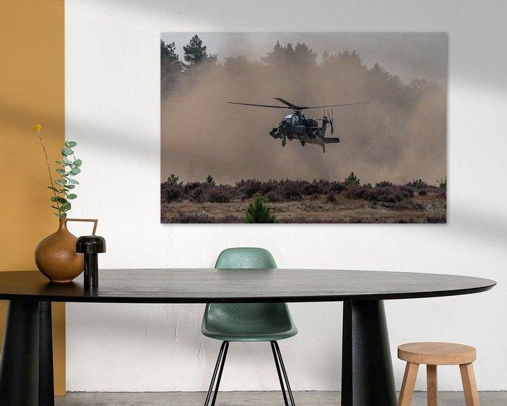 Sfeerimpressie: Apache-gevechtshelikopter (AH-64) van de Koninklijke Luchtmacht  landend op de heide bij Oirschot (G van Jaap van den Berg