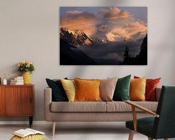 Mont-Blanc in de wolken van Thomas Bekker