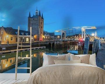 Zuidhavenpoort in Zierikzee in het blauwe uurtje van Jan Poppe