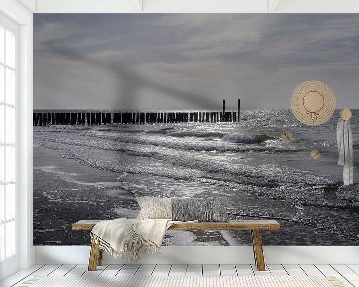 Sfeerimpressie behang: Tegenlichtopname op het strand van Zoutelande en Westkapelle van Sean Vos