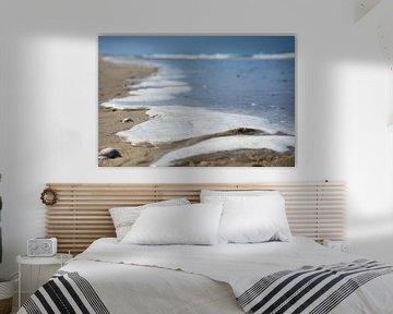 zeeschuim aan het strand van Bart Nikkels