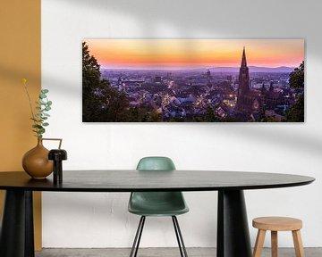 Freiburg im Breisgau bij nacht XXL panorama van skyline van Simon Dux