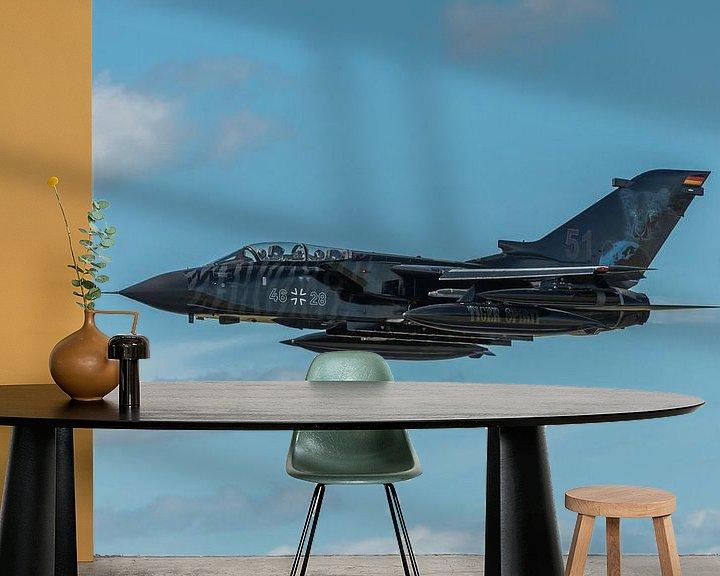 Sfeerimpressie behang: Take-off van een hele fraaie Panavia Tornado ECR (46+28) van de Duitse  Luchtmacht tijdens de NAVO T van Jaap van den Berg