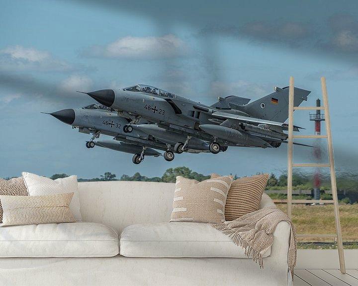 Sfeerimpressie behang: 2 Duitse Panavia Tornado's stijgen op van de Duitse vliegbasis Schleswig Jagel tijdens de NATO Tiger van Jaap van den Berg