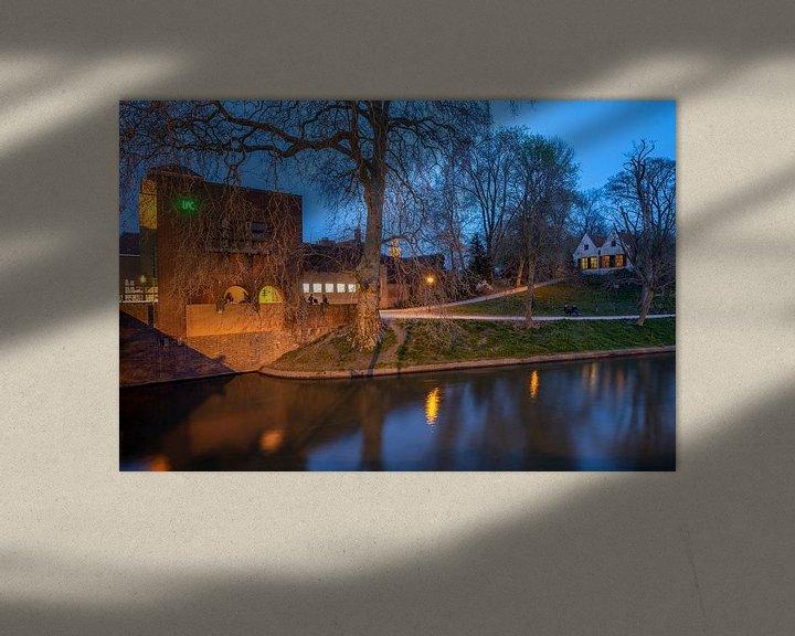 Sfeerimpressie: Avondfoto stadsgezicht Louis Hartloopercomplex en Bastion Manenborgh Utrecht van André Russcher