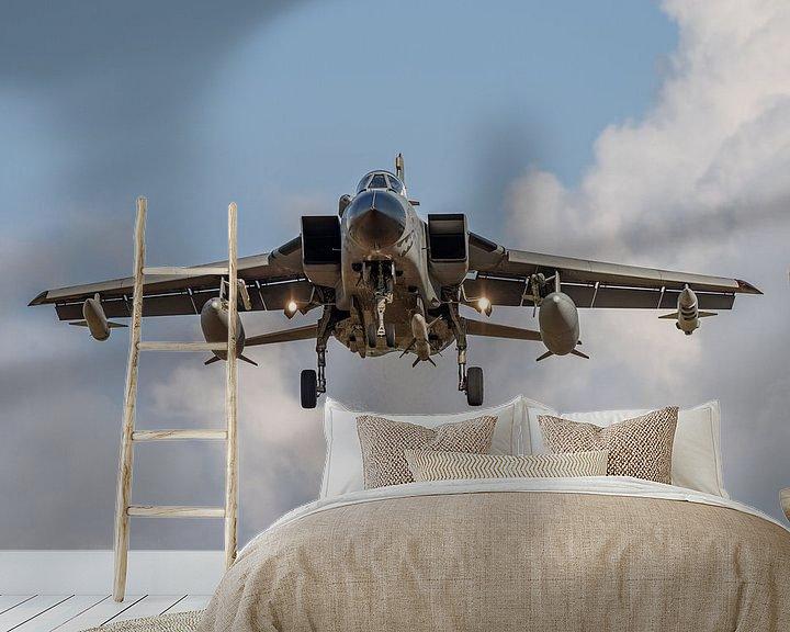 Sfeerimpressie behang: Panavia Tornado van de Italiaanse luchtmacht vlak voordat deze gaat landen op de Duitse vliegbasis N van Jaap van den Berg