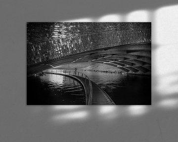 Dommel oder Dieze in einem Tunnel in Den Bosch von Patrick Verhoef