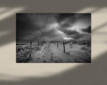 Strand, zee en wolken aan de Katwijkse kust van Dirk van Egmond