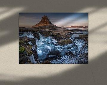 Kirkjufell waterval in IJsland Panorama van Jean Claude Castor