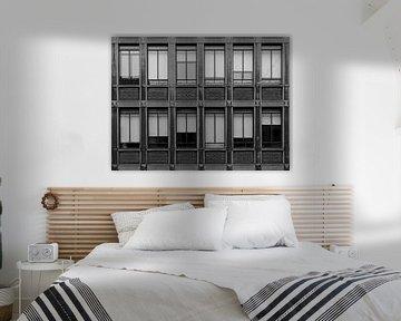 Fassade in Schwarz und Weiß von Hildisvini