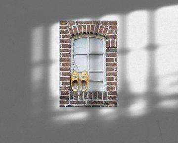 klompen raam boer van Rene du Chatenier