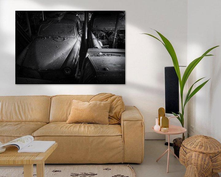 Beispiel: Volvo Amazons bei Urbex Location, schwarz-weiß mit Filmkorn von Ger Beekes