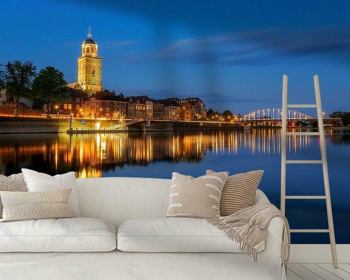 Impression: Skyline de Deventer avec l'église Lebuïnus à l'heure bleue sur Karla Leeftink