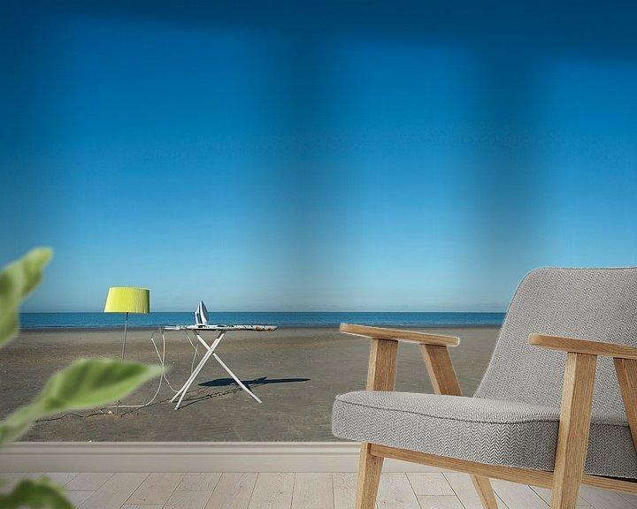 Sfeerimpressie behang: Strijken op het strand van Aline van Weert