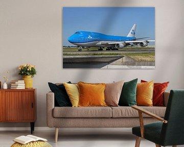 KLM Boeing 747-400M combi, de PH-BFV, gespoten in de meeste recente livery, taxiet richting de Polde van Jaap van den Berg