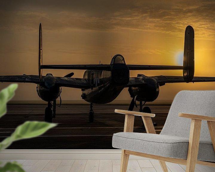 Sfeerimpressie behang: North American B-25 Mitchell tijdens zonsopkomst op Ellington Airport in Houston, Texas. van Jaap van den Berg