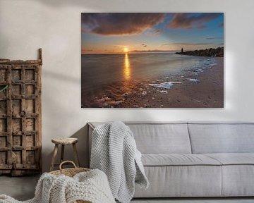 Avondzon over de zee van Etienne Rijsdijk