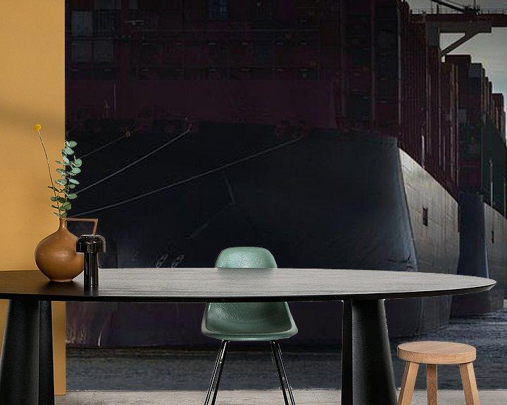 Sfeerimpressie behang: Afgemeerde containerschepen bij een terminal in Hamburg van Jonas Weinitschke