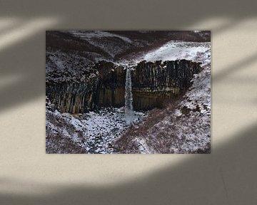 De zwarte waterval van Timon Schneider