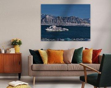 IJsberg in Jökulsárlón van Timon Schneider