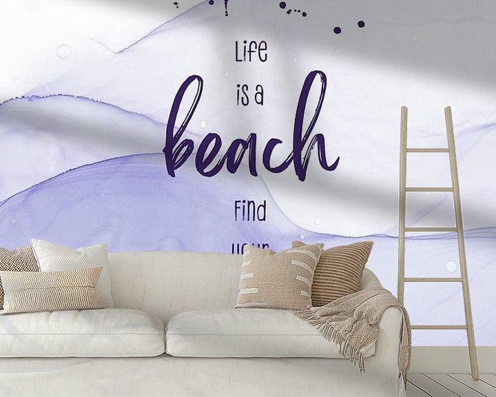 Sfeerimpressie behang: Life is a beach. Find your wave. | floating colors van Melanie Viola