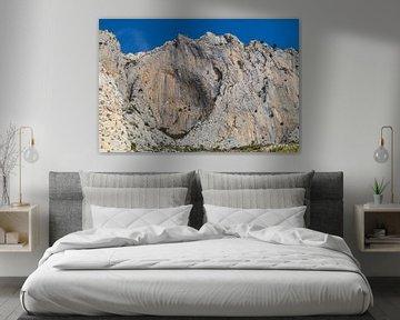 Rotswand in de bergen van Bernia