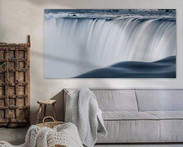 Horseshoe Falls, in Schwarz-Weiß, mit einem Hauch von Blau von Henk Meijer Photography