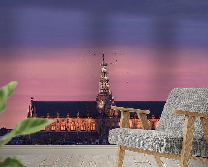 Sfeerimpressie behang: St Bavo in schemerlicht van Olaf Kramer