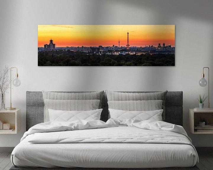 Beispiel: Berlin City Skyline im Sonnenaufgang von Frank Herrmann