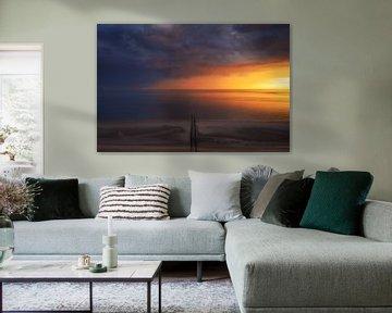 Lucht vol kleur aan de kust van Thom Brouwer