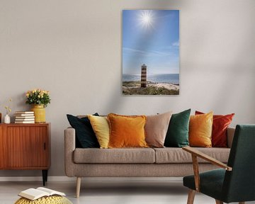 Leuchtturm in den Dünen bei Dishoek unter der strahlenden Sonne