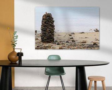 Stenen toren op het strand van Frank Herrmann