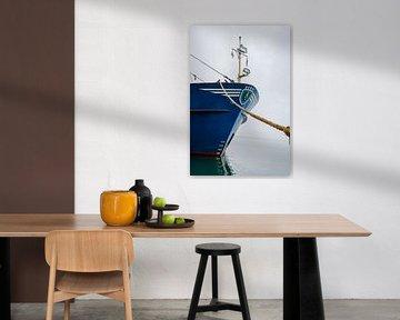 Fischerboot im Hafen von West-Terschelling von Youp Lotgerink