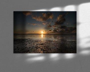 Prachtige zonsondergang boven de Waddenzee