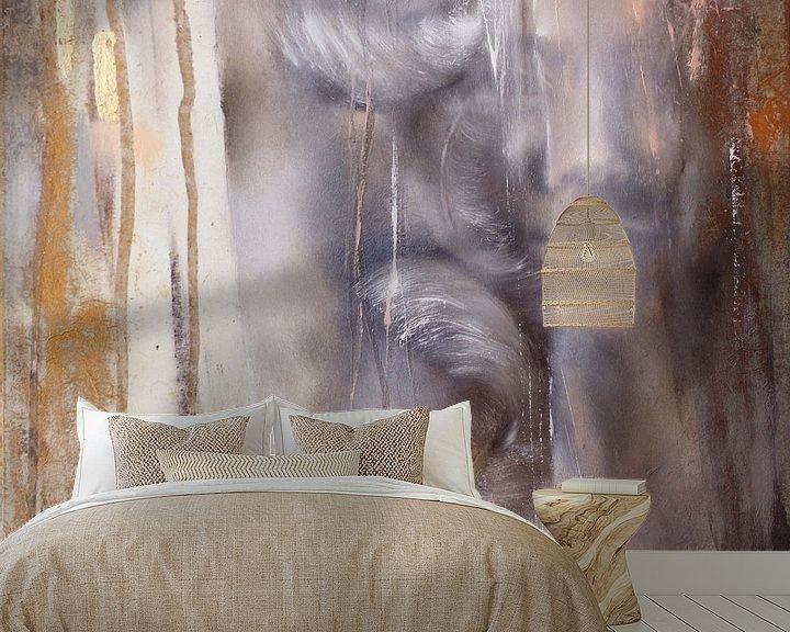 Beispiel fototapete: Cora mit Federn: Variante in Grauviolett von Annette Schmucker