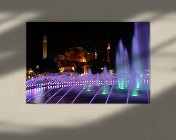 Hagia Sophia in Istanbul  by night (2) van Antwan Janssen
