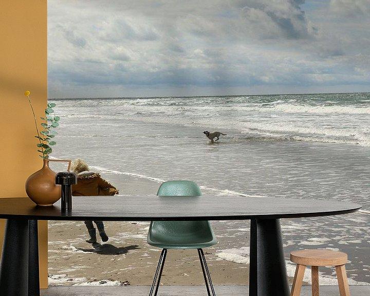 Sfeerimpressie behang: Jongen en hond van Pim van der Horst