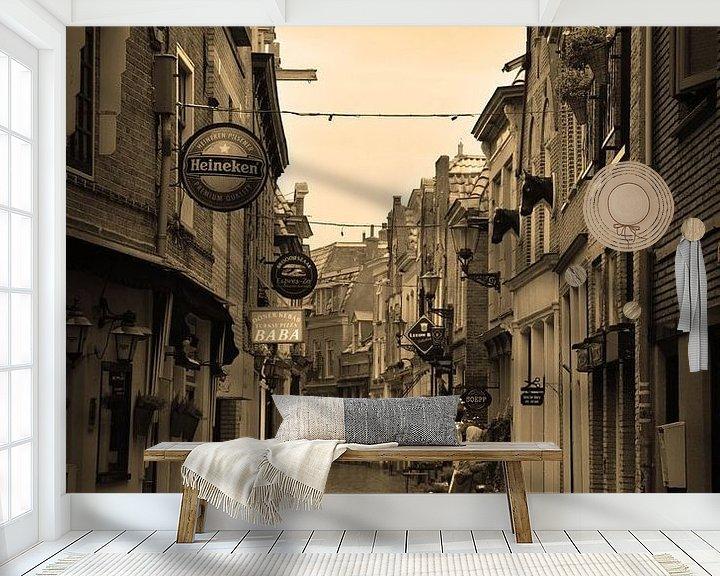 Sfeerimpressie behang: Alkmaar Noord-Holland Binnenstad Sepia Nederland van Hendrik-Jan Kornelis
