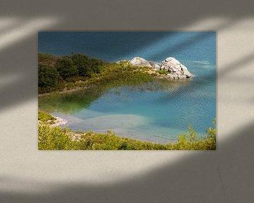 Gezicht op het stuwmeer van Gadoura op het eiland Rhodos van Reiner Conrad