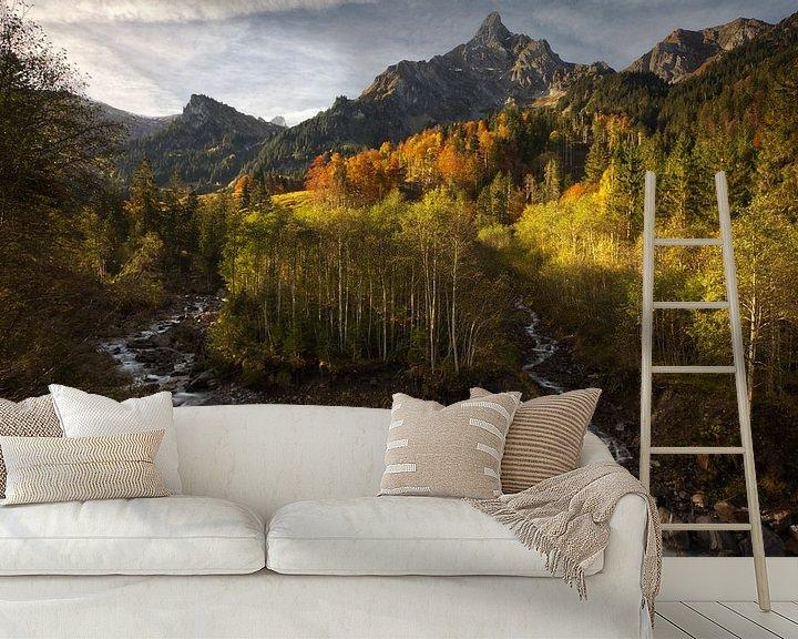 Sfeerimpressie behang: Schweizer herbst van Hans van den Beukel