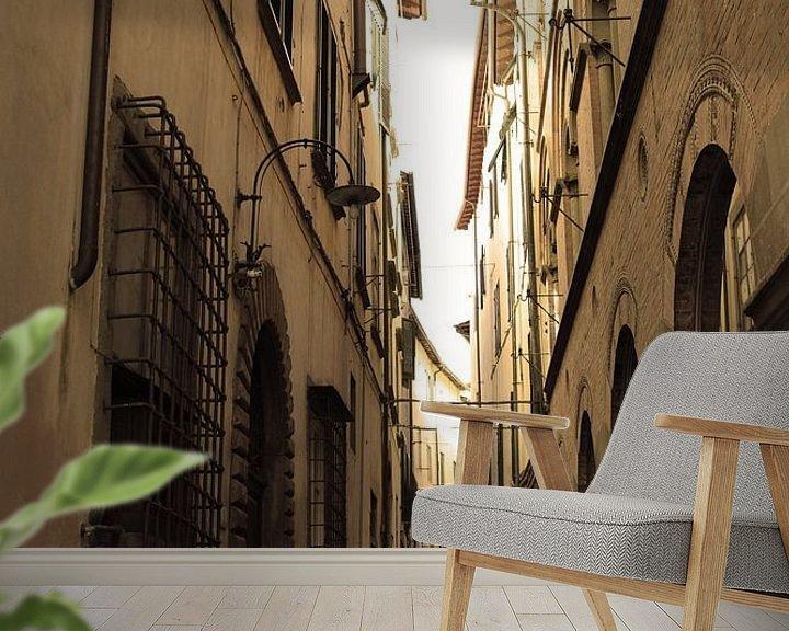 Sfeerimpressie behang: Toscane Italië Lucca Binnenstad Oud van Hendrik-Jan Kornelis