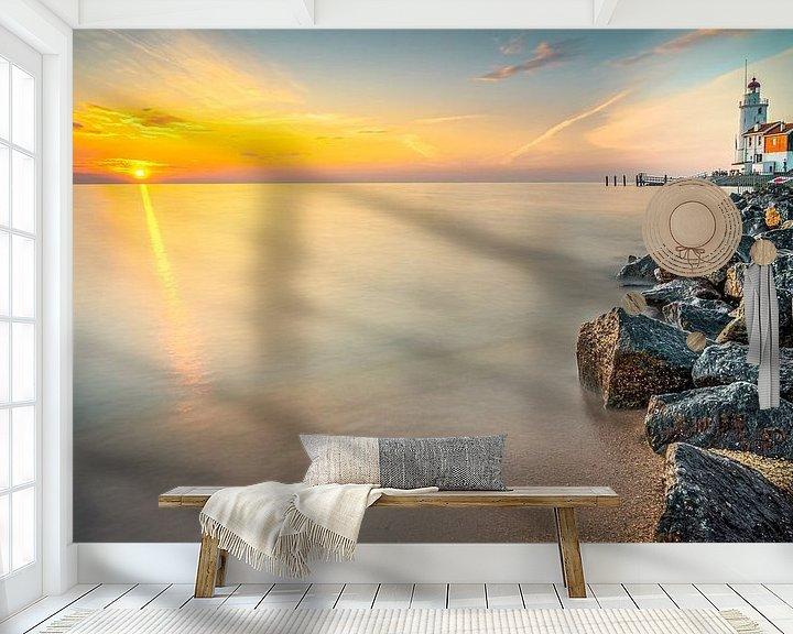 Sfeerimpressie behang: Vroege ochtend aan de kust van het eiland Marken van Fotografiecor .nl