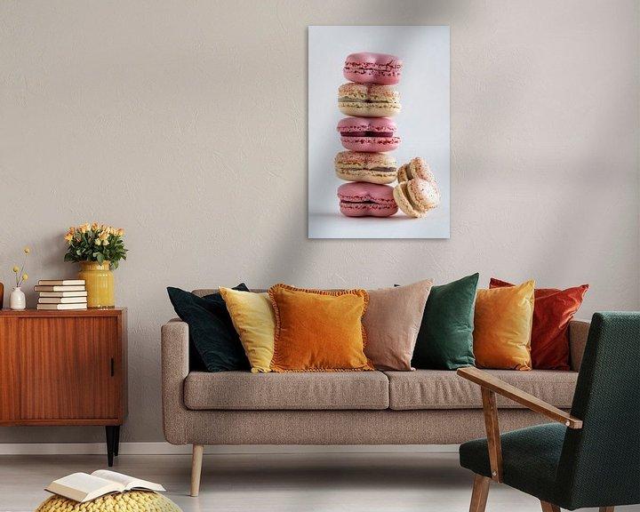 Sfeerimpressie: Een stapel heerlijke macarons in geel en roze l Food Fotografie van Lizzy Komen